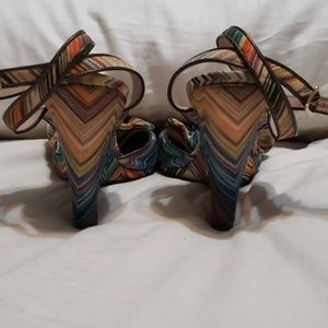 Missoni bow wedges sz 40 or 9